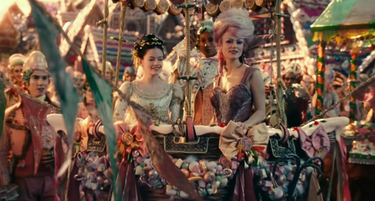 Lo Schiaccianoci e i Quattro Regni - La terra dei Dolci - The Nucracker and the Four Realms - Film Disney - anno 2018 - Clara - Mackenzie Foy