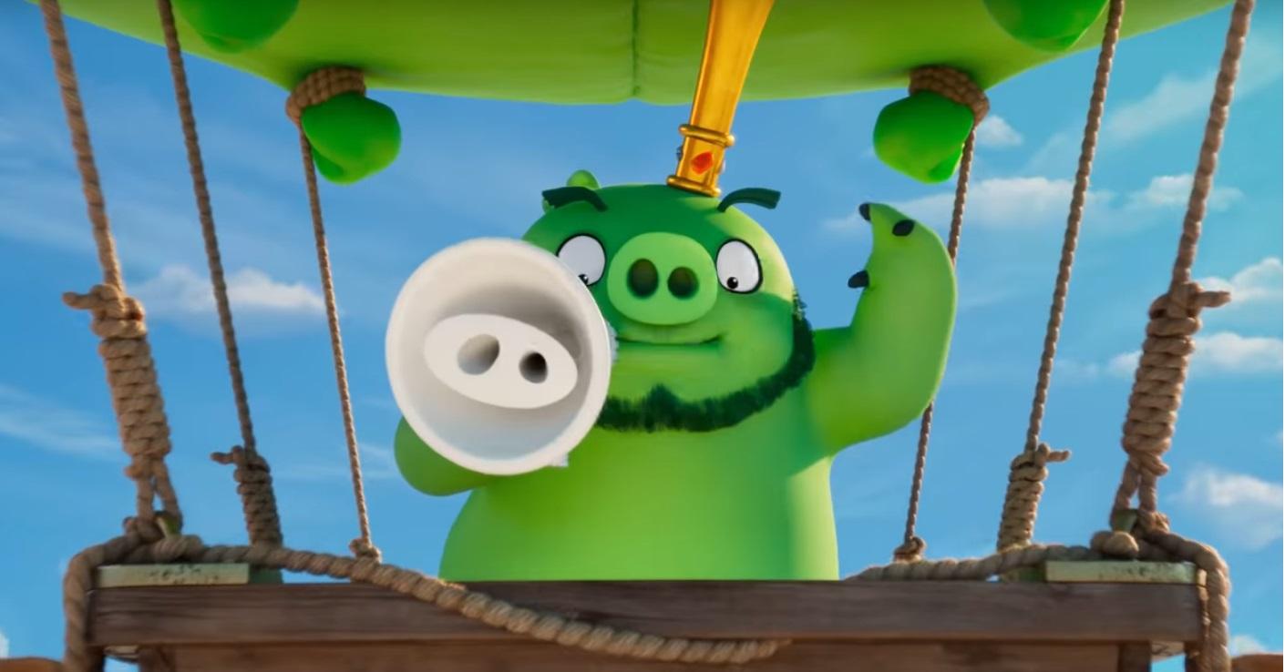 Angry birds 2 Nemici amici per sempre - The Angry Birds Movie 2 - film di animazione 2019 - maiale vola su mongolfiera
