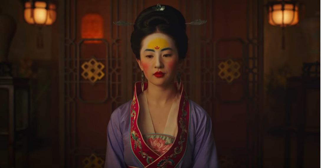 Mulan film Disney remake live action film famiglia 2020 - Silenziosa, composta, aggraziata, disciplinata. Queste sono le doti che vediamo in una brava moglie.