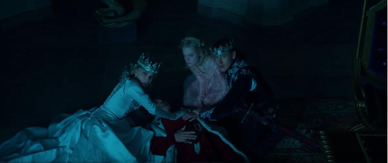 Maleficent Signora del male al cinema dal 17 ottobre Film Disney Maleficent colpisce il Re