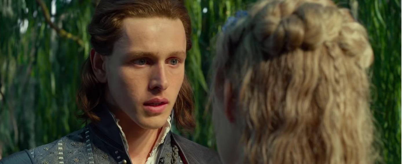 Maleficent Signora del male al cinema dal 17 ottobre Film Disney Principe Filippo chiede in sposa Aurora