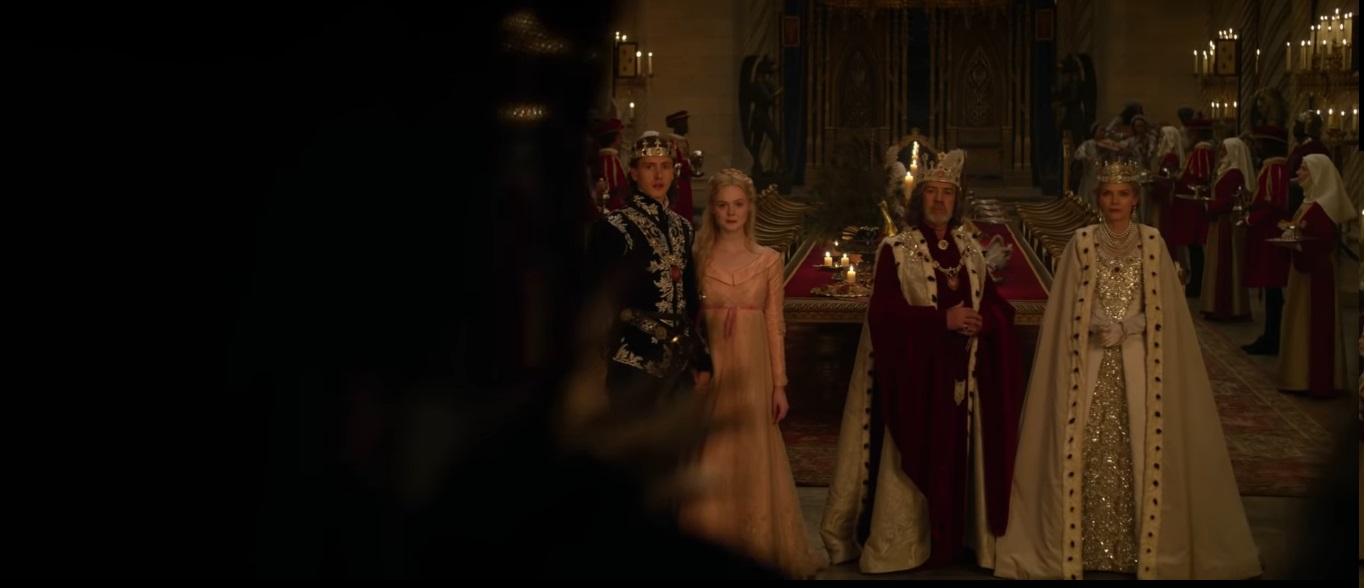 Maleficent Signora del male al cinema dal 17 ottobre Film Disney Re Regina Filippo e Aurora al castello