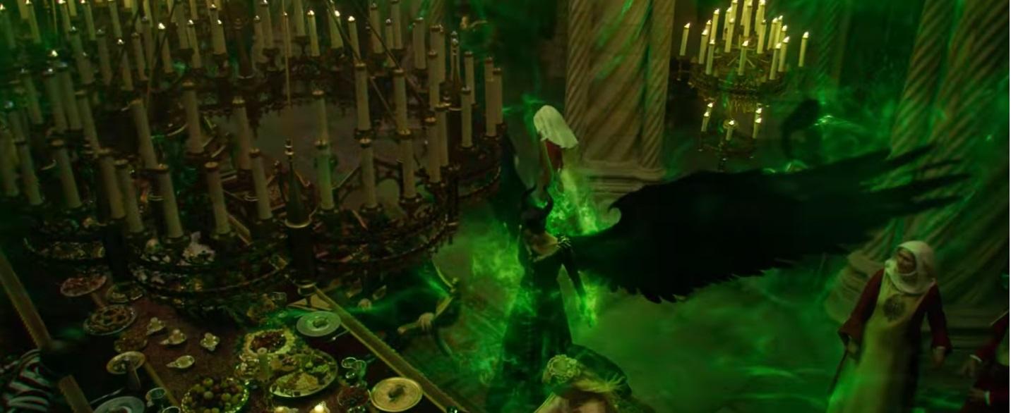 Maleficent Signora del male al cinema dal 17 ottobre Film Disney La rabbia di Maleficent quando la Regina dice considero Aurora mia
