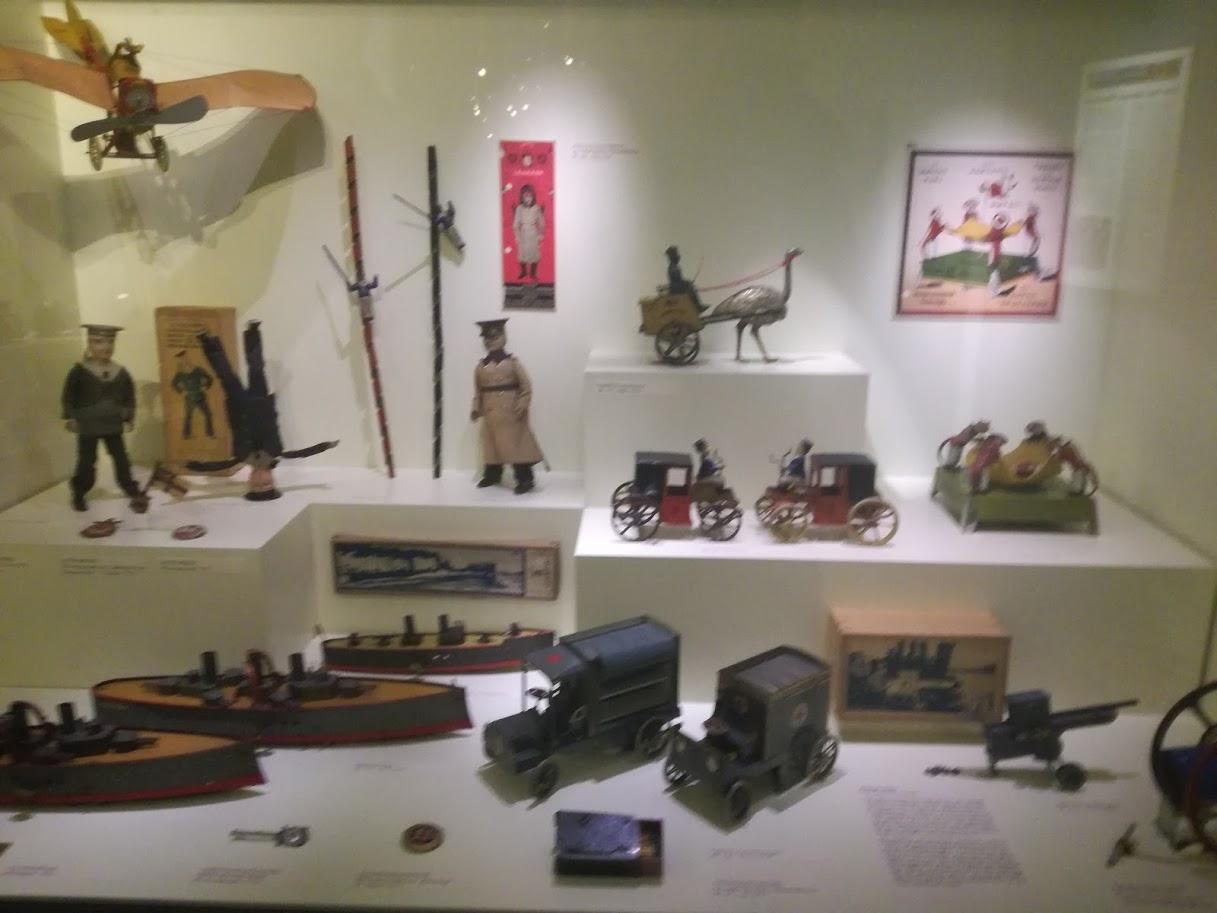 Museo dei giocattoli Norimberga - Giochi in latta soldatini di piombo - storia giochi latta - musei bambini