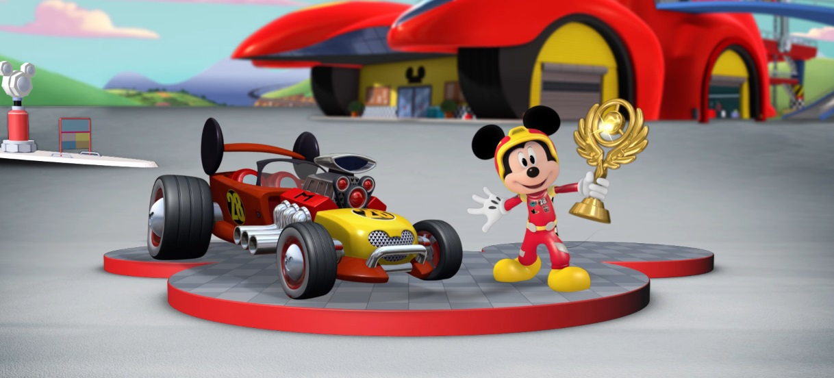 Topolino e gli amici del rally - Mickey and the Roadster Racers - corsa aerea - auto mongolfiera - Topolino sul podio